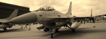 Jet F-16 imagenes de archivo