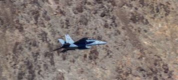 Jet Fighter Military Aircraft Flying Imagem de Stock