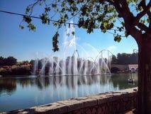 Jet Fountains en el lago fotografía de archivo