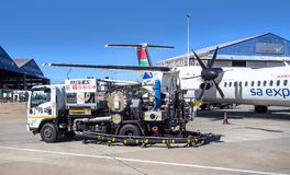 Jet Fuel Truck op tarmac royalty-vrije stock foto's
