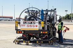 Jet Fuel Truck op tarmac royalty-vrije stock fotografie