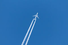 Jet plane contrail Royalty Free Stock Photography