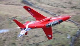 Jet rouge de flèches Images stock