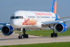 Jet2 semestrar Boeing 737 Arkivfoto