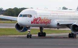 Jet2 semestrar Boeing 757 Royaltyfri Foto