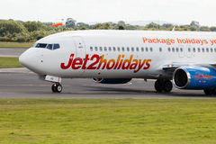 Jet2 semestrar Boeing 737 Royaltyfri Foto