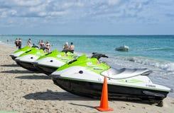 Jet ski di Yamaha sulla sabbia Fotografie Stock