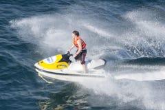 Jet-Ski in Pazifik Lizenzfreie Stockfotos