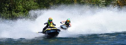 Jet Ski Racers dans l'événement concurrentiel photo stock