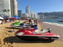 Jet Skis am Strand Stockbilder