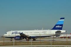 JetBlue空中客车在劳德代尔堡FLL机场 图库摄影
