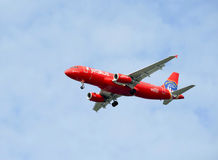 JetBlue Aerobus A320 Błękitny Odważny Czerwony samolot Honoruje FDNY Miasto Nowy Jork Pożarniczego działu Obraz Royalty Free