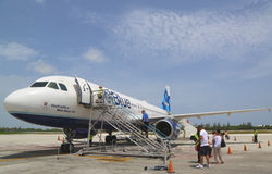 JetBlue Airbus A320 at Owen Roberts International Airport at Grand Cayman Royalty Free Stock Image
