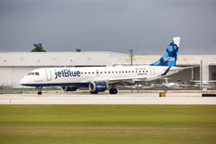 A Jetblue Airlines Embraer 190 aircraft taxiing Royalty Free Stock Images