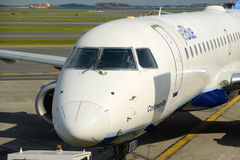 JetBlue Airways Embraer 190 à l'aéroport de Boston Photographie stock