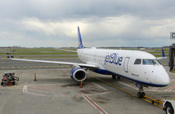 Jetblue Airways Embraer 190 at Boston Airport Stock Images