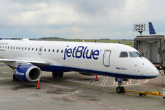 Jetblue Airways Embraer 190 at Boston Airport Royalty Free Stock Photography