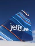 JetBlue Embraer 190 streepjescode-geïnspireerd ontwerp tailfin Stock Foto's