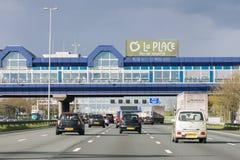 Jetez un pont sur le restaurant au-dessus de la route A4, Hoofddorp, la Hollande-Septentrionale, filet Photos libres de droits