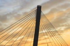 jetez un pont sur les images faites près de la ville de rzhev de la Russie de route Photographie stock libre de droits