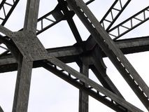 Jetez un pont sur les supports Images stock