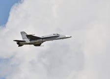 Jetfighter военно-морского флота на полете Стоковая Фотография