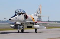 Jetfighter del blu marino della Douglas A-4 Skyhawk Immagini Stock Libere da Diritti