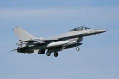 jetfightermilitär för 16 f Arkivfoton