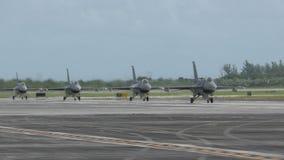 Jetfighters die van opdracht terugkeren stock video
