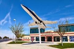 JetHawks Lancaster, Kalifornien, USA - April 5, 2017: JetHawks Lancaster, Kalifornien, USA Flygplanet för NASA F18 på Royaltyfria Foton