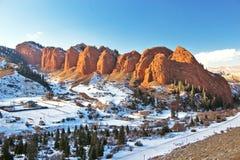 Jeti Oguz七个公牛岩石,伊塞克湖,吉尔吉斯斯坦 图库摄影