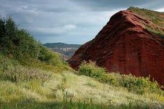 Jeti Oguz Kyrgyz砂岩峭壁七头公牛 免版税库存照片