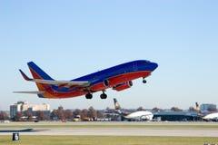 Jetliner op start 1 royalty-vrije stock afbeelding