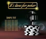 Jetons de poker avec une puce de vrillage sur brouillé Image libre de droits