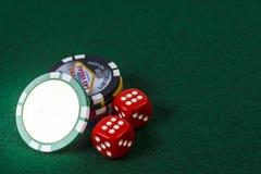 Jetons de poker et paires de matrices Image libre de droits