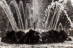 Jets d'eau d'une fontaine Images stock