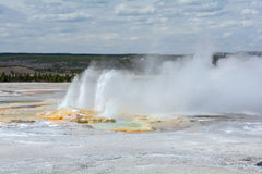 Jets de l'eau du geyser Images libres de droits