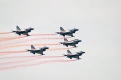 Jets J-10 del equipo aeroacrobacia de Bayi Fotografía de archivo