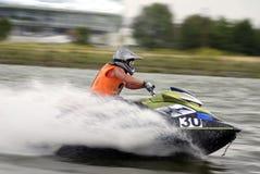 Jetski à grande vitesse de l'eau Photographie stock