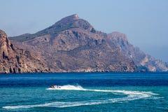 Jetski na navigação de alta velocidade no mar Fotos de Stock