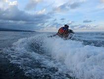 Jetski på havet Hastighet och adrenalin royaltyfri foto