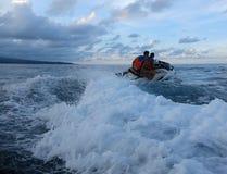 Jetski p? havet Hastighet och adrenalin royaltyfria foton