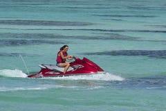 Jetskiing en Trinidad y Tobago Imagen de archivo