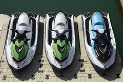 3 Jetskis на Марине Брайтона, Сассекс, Англии Стоковое фото RF