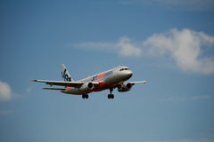 Jetstar A320 on approach Royalty Free Stock Photography