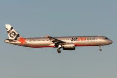 Jetstar Airways-Luchtbus A321-231 vh-VWT op benadering van land bij de Internationale Luchthaven van Melbourne Stock Foto