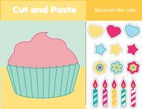 Jeu éducatif d'enfants de couper-coller Activité de papier de coupe Décorez un petit gâteau avec la colle et les ciseaux Jeu d'au illustration libre de droits