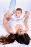 Jeu avec la mère Photo libre de droits
