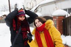Jeu avec la neige Photographie stock libre de droits
