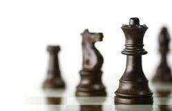 Jeu d'échecs au-dessus du fond blanc Image stock